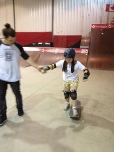 kids_learning_to_skateboard