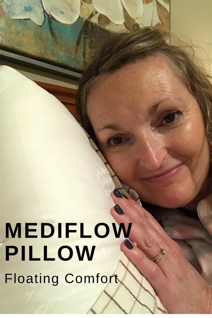mediflow_floating_comfort_pillow