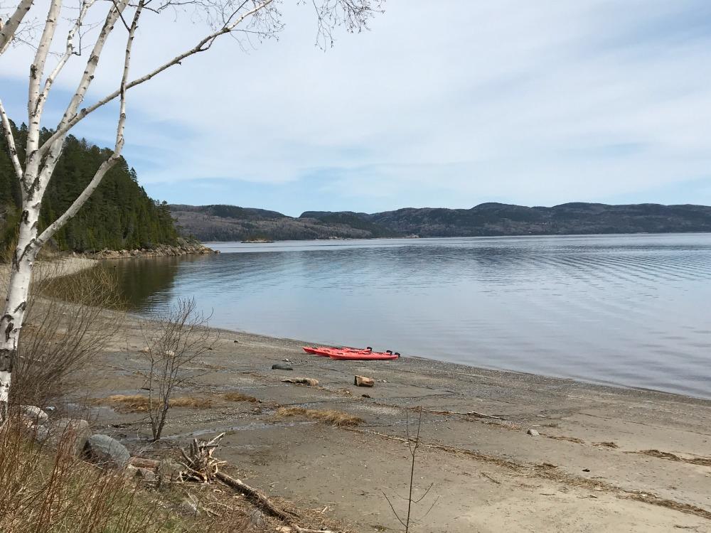 sea_kayaking_beach_quebec_saguenay