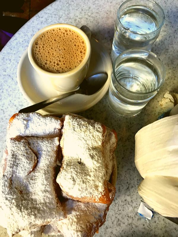 cafe_du_monde_beignets