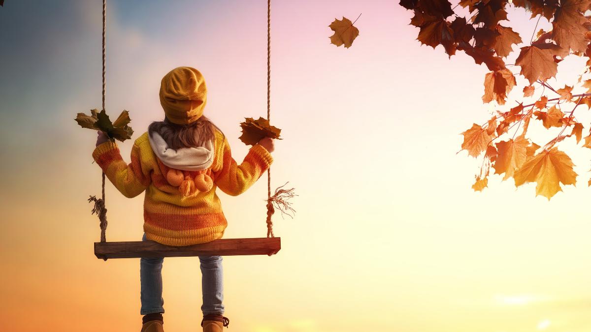 fall_child_on_swing