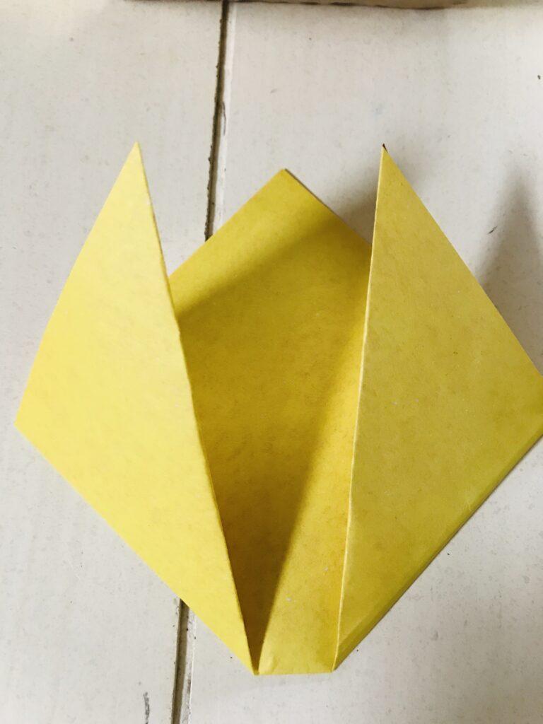 2_dimensional_simple_origami_tulips