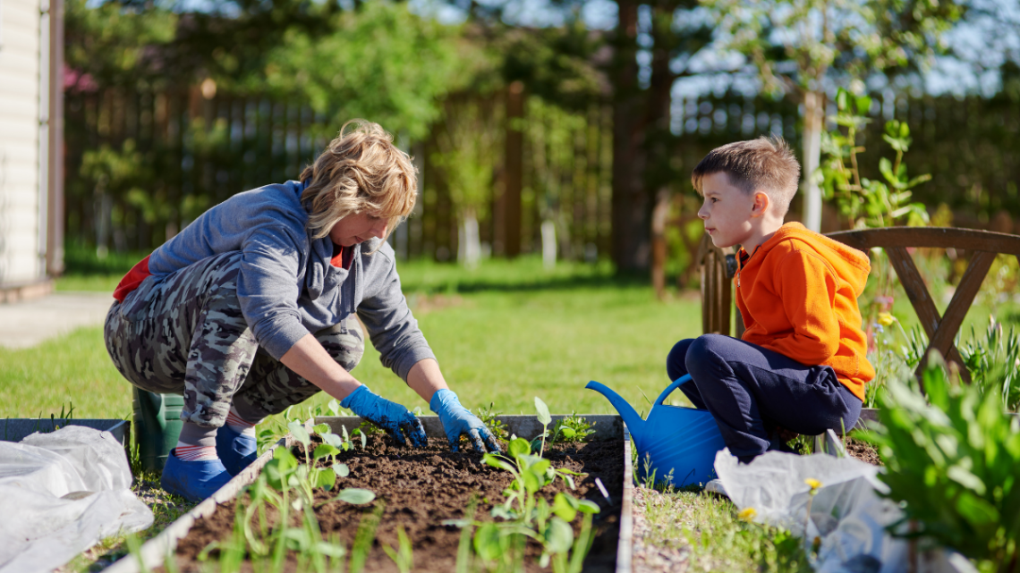 gardening_mom_and_child